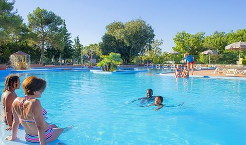 Camping avec piscine homair villages for Camping chambery avec piscine
